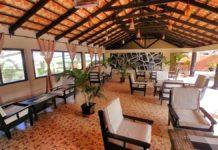 Das Strandhotel Seafront Residences an der Küste von Gambia