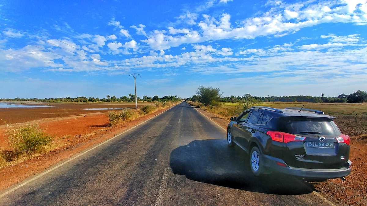 Road-Trip mit dem Mietwagen durch Gambia