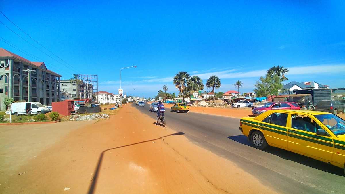 Serekunda, das wirtschaftliche Zentrum in Gambia