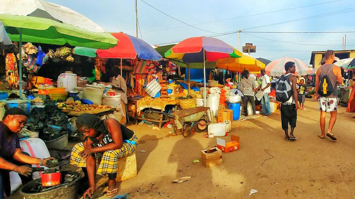 Der Markt der Einheimischen in Tanji