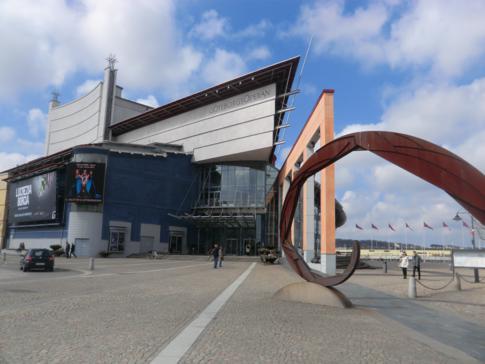 Die modern gestaltete Oper am Hafen von Göteborg