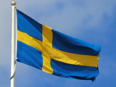 Die schwedische Flagge in der Altstadt von Göteborg