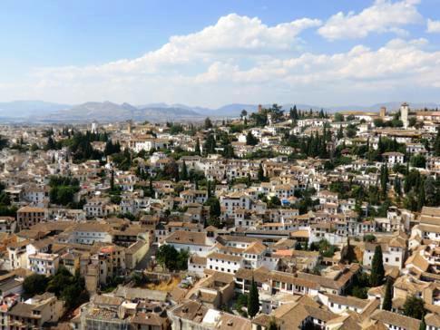 Tolle Ausblicke auf Granada von der Alhambra (Torre de la Vela)