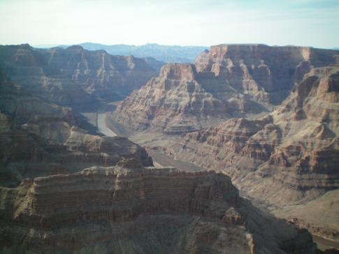 Beeindruckende Landschaft am Grand Canyon und Blick auf den Colorado River
