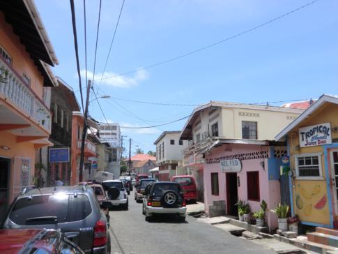Der Ort Grenville an der Ostküste Grenadas