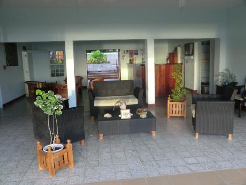 Die offene Lobby des Kalinago Beach Resort in Grenada