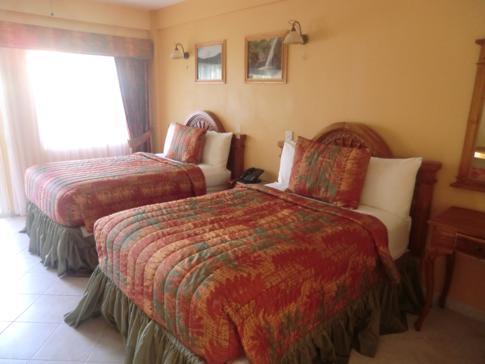 Ein Standardzimmer im Erdgeschoss des Kalinago Beach Resort