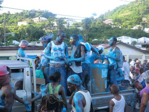 Karneval in Grenada, auch Spicemas genannt - hier das J'Ouvert bzw. Jab Jab