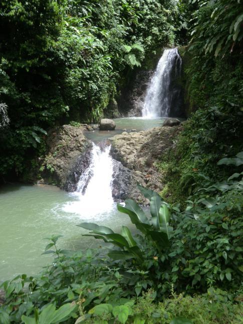 Die unteren zwei Wasserfälle der Seven Sister Falls