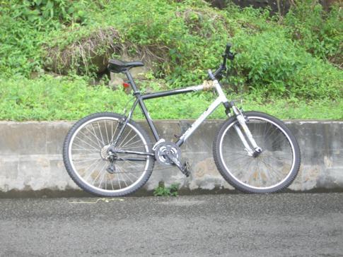 Bike während unserer Fahrradtour entlang der Westküste von Grenada