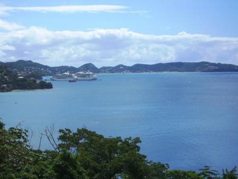 Blick auf Point Salines, Grand Anse und St. Georges