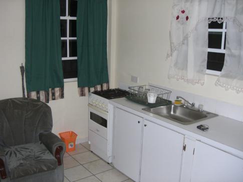 Küchenzeile im Twin-Studio bei Willies Court Apartments