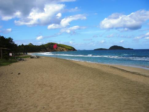 Der kilometerlange Bathway Beach im Norden von Grenada