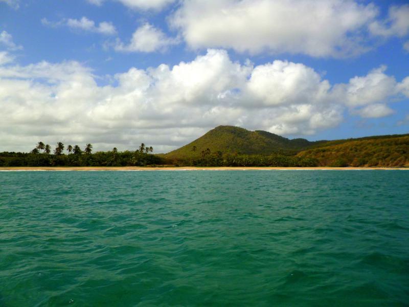 Der Levara Beach auf Grenada vom Meer aus gesehen