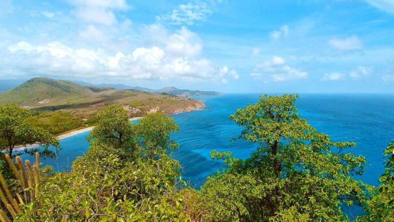 Ausblick von Sugarloaf Island auf die umliegenden Inseln Grenadas