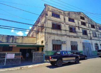 Muskatnussfabrik auf Grenada – Grenadas wichtigstes Exportgut in der Nutmeg Factory