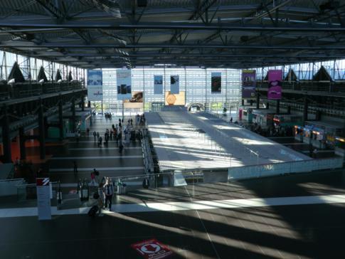 Entspanntes Treiben am Dresden International Airport