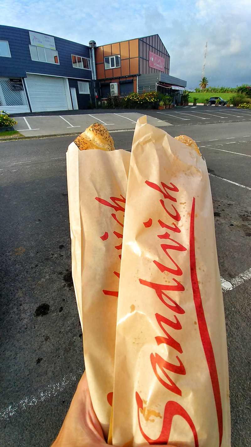 Typisch leckere und günstige Baguettes auf Martinique und Guadeloupe