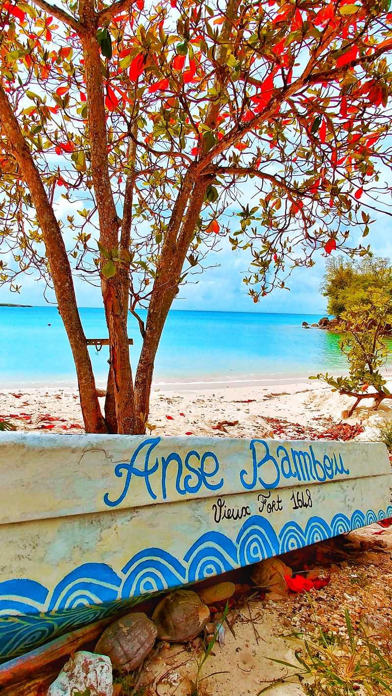 Der Anse Bambou im Westen von Marie-Galante