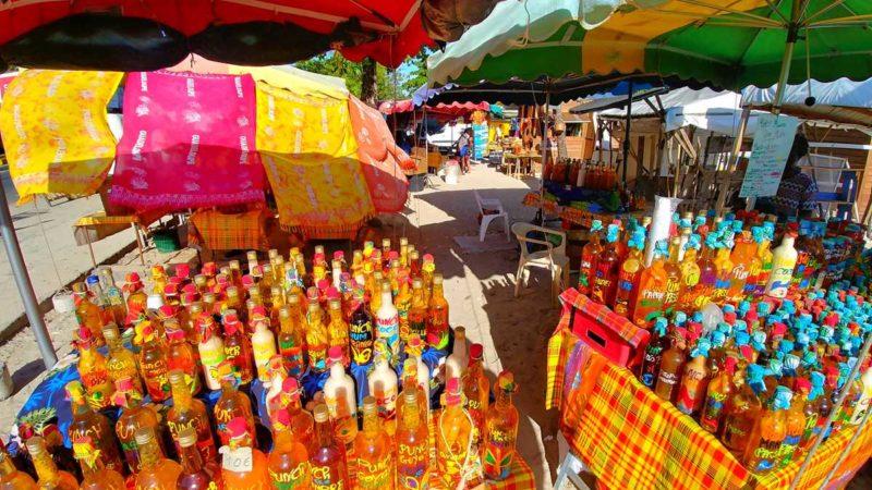 Bunter Markt in St. Francois