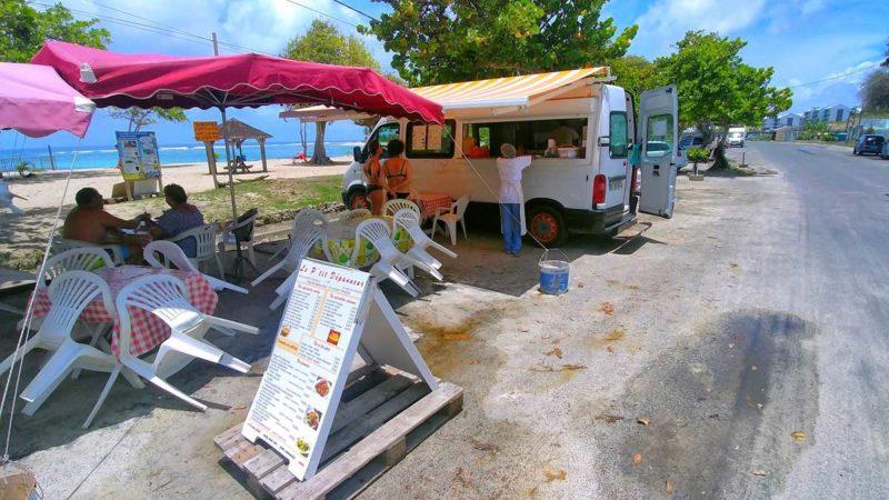 Ein typischer Imbiss und Snack auf Guadeloupe