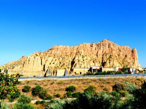Eine klassische Höhlenwohnung in Guadix in Andalusien