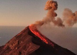 Wanderung auf den Acatenango – dem feuerspuckenden Vulkan Fuego extrem nah