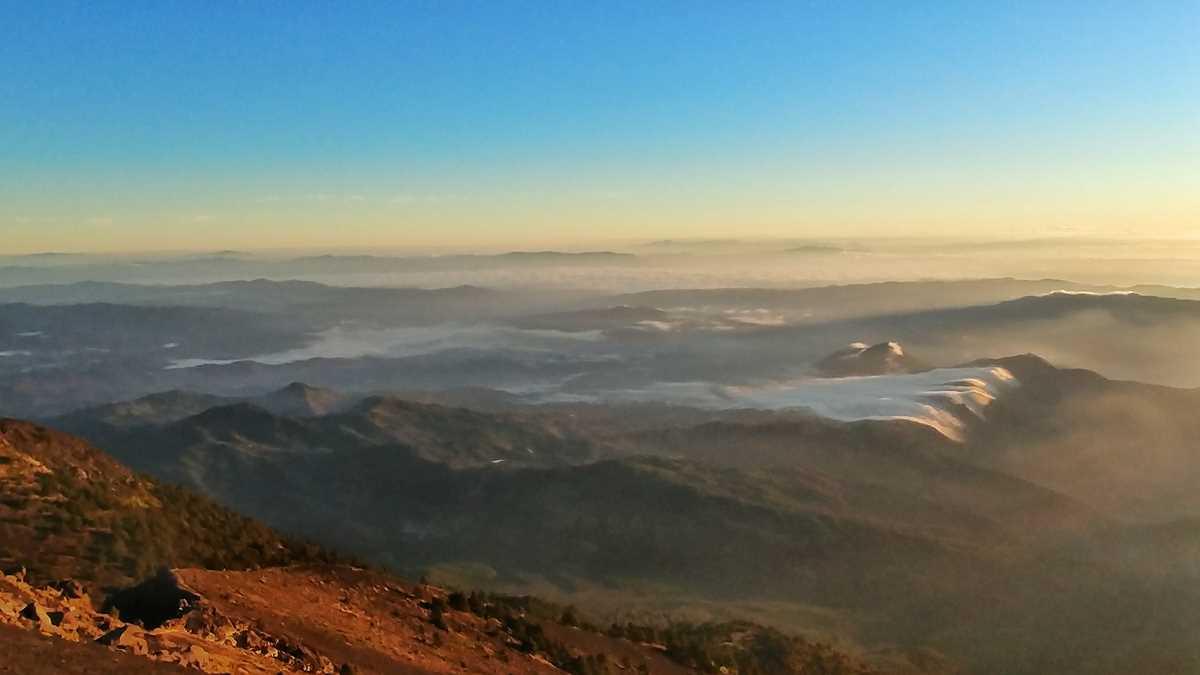Blick vom Acatenango-Vulkan in Richtung Atitlan-See