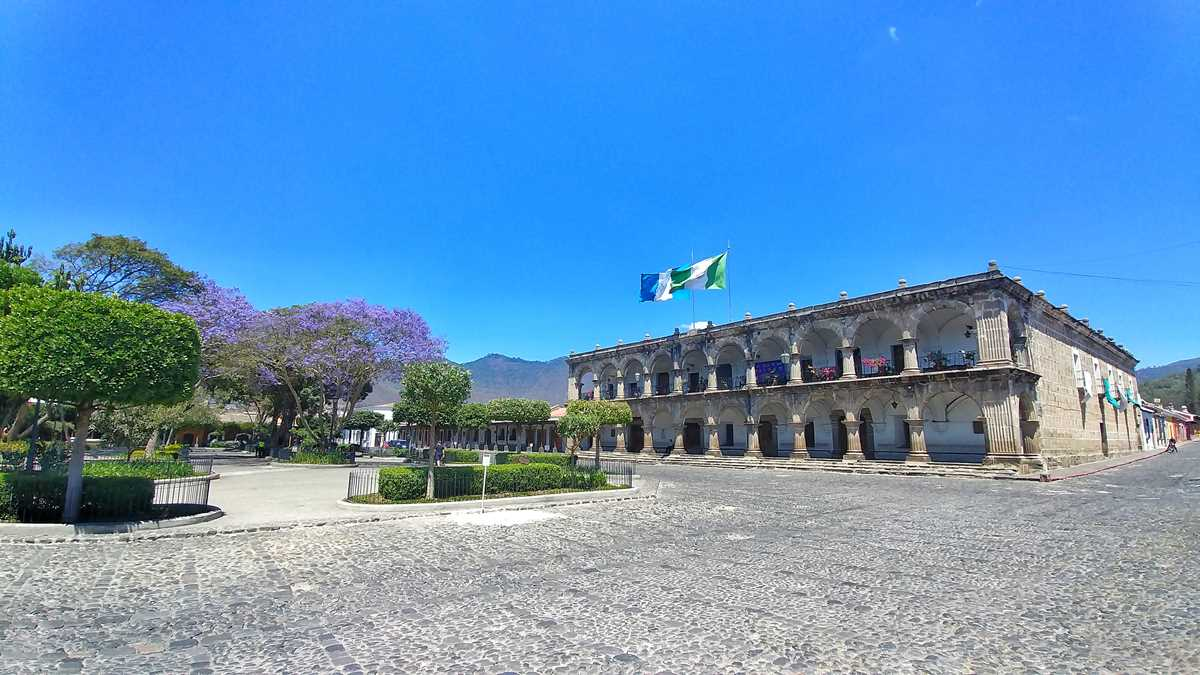 Der Plaza Mayor in Antigua, Guatemala