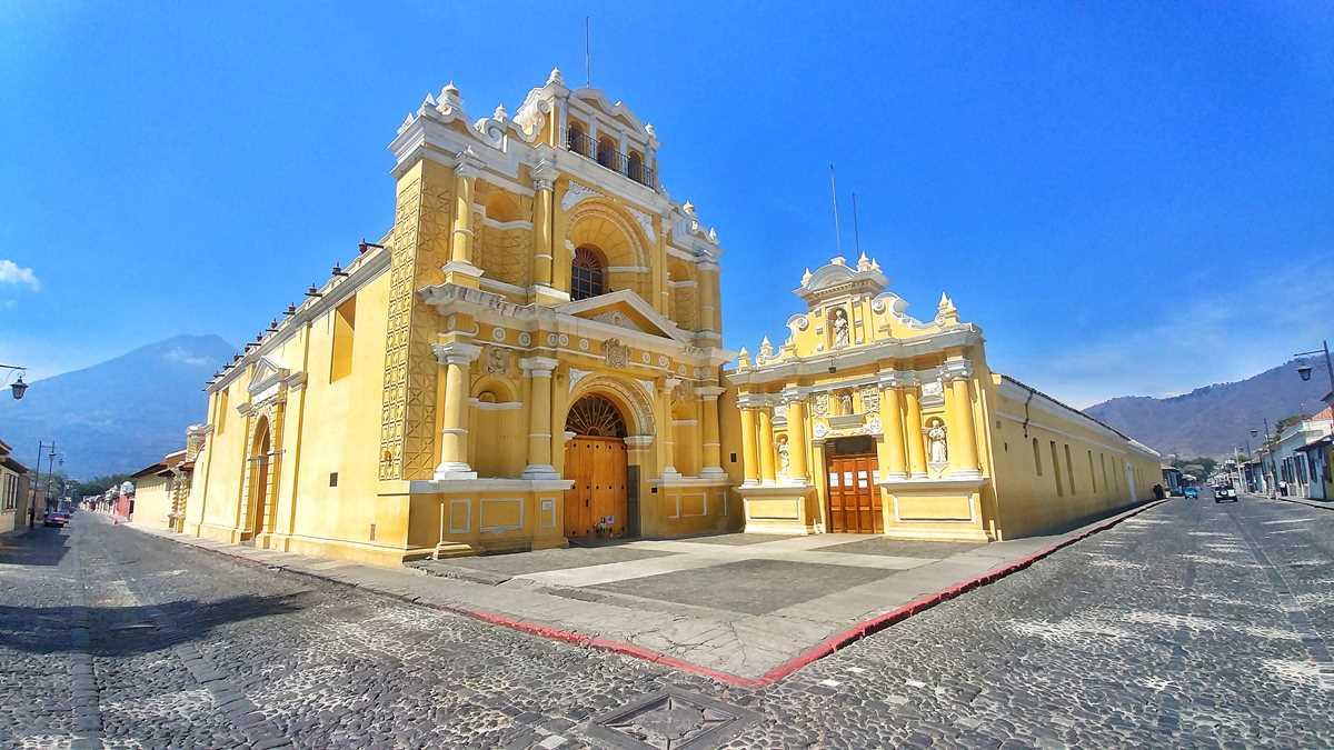 Die Kirche San Pedro im historischen Antigua, Guatemala