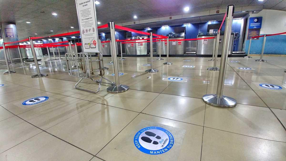 Leere und Stille auf dem Internationalen Flughafen in Guatamala