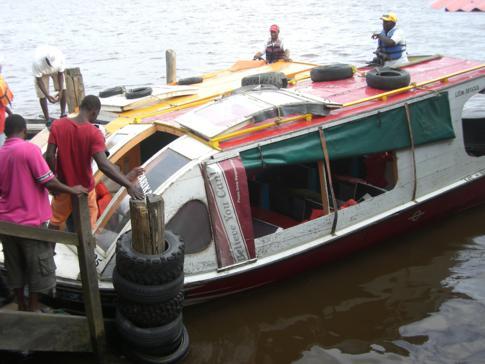 Unser Speedboat für den Weg von Parika nach Bartica