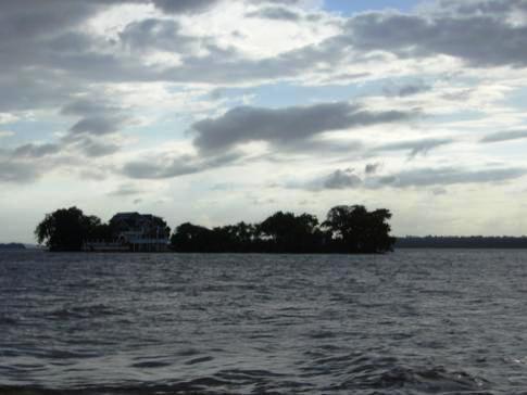 Ausblick während der Fahrt auf dem Essequibo River