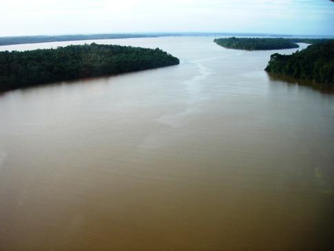 Blick auf den Essequibo River nach dem Start in Bartica