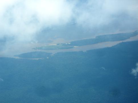 Blick auf Baganara Island und den Bartica Airport