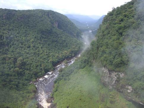 Der Potaro River durchfliesst ganz Guyana