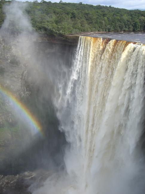 Die Kaieteur Falls im Roraima Massiv in Guyana