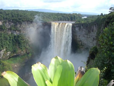 Perfekter Blick vom dritten Aussichtspunkt auf die Kaieteur Falls