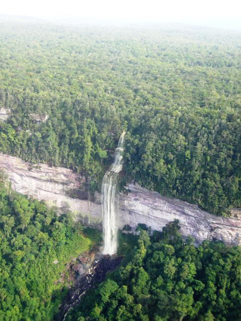 Flug von den Kaieteur-Wasserfällen zurück nach Georgetown
