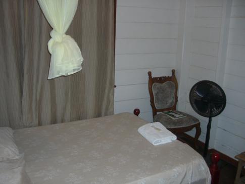 Mein erstes Zimmer im Hostel-ähnlichen New Tropicana Hotel in Georgetown