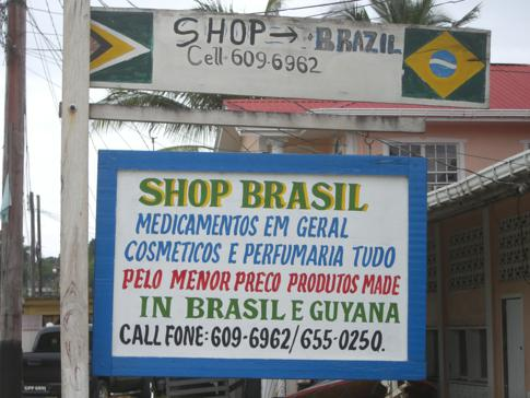 Selbst ausschließlich portugiesische Schilder gibt es in Bartica