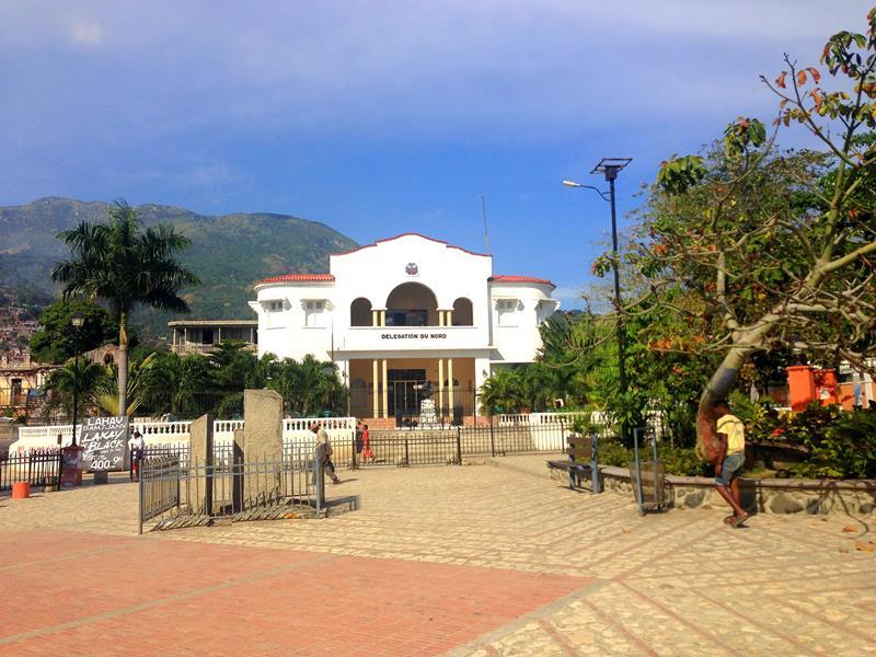 Der zentrale Platz der Kathedrale in Cap-Haitien
