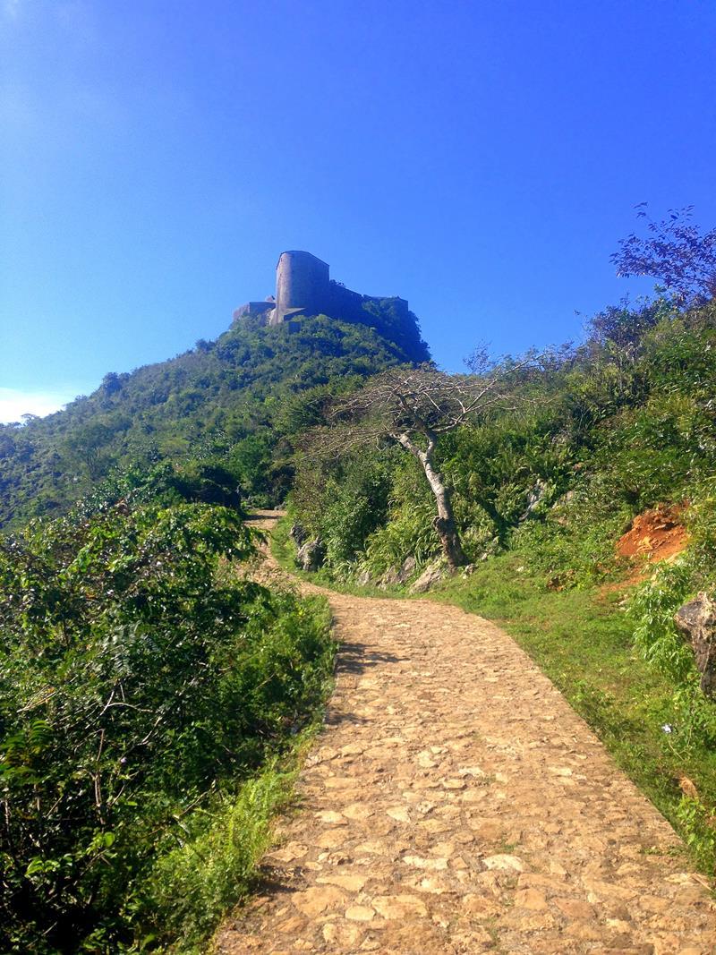 Der Weg von Milot hoch zur Festung Laferriere