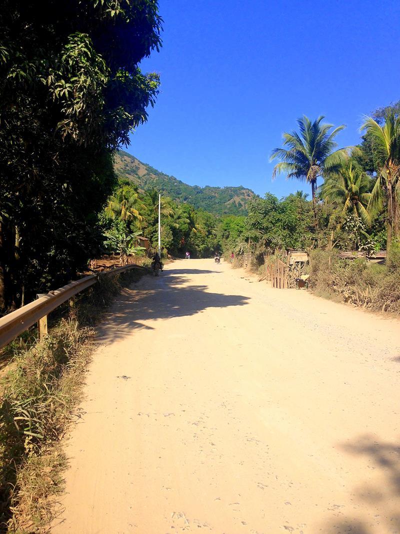 Die Straßen in Haiti waren überwiegend nicht asphaltiert und grottenschlecht.