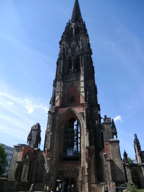 Die St. Nikolaikirche in Hamburg