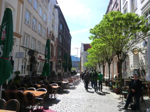 Die Deichstraße mit vielen norddeutschen Restaurants