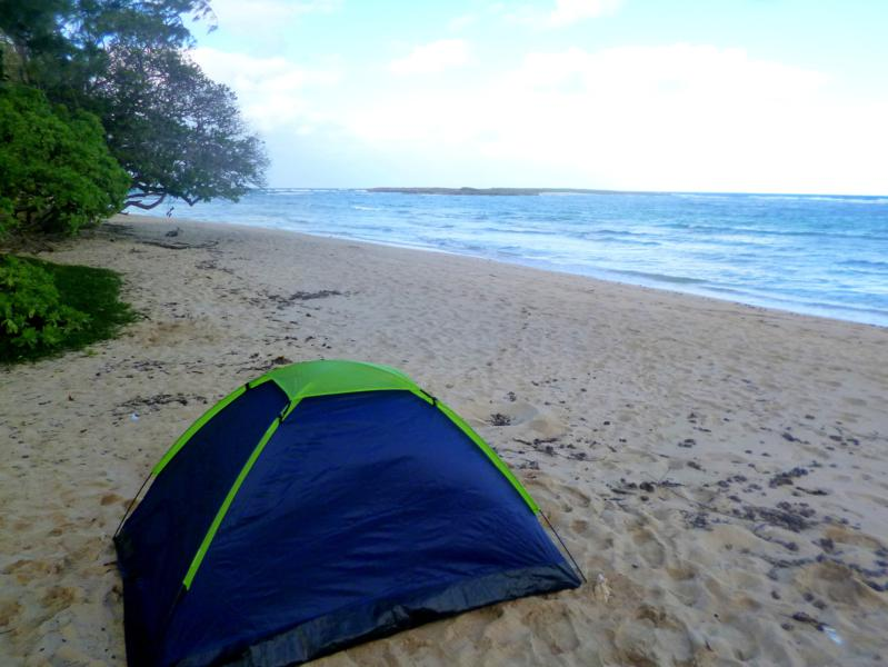 Campingplatz im Malaekahana State Park auf Oahu, Hawaii