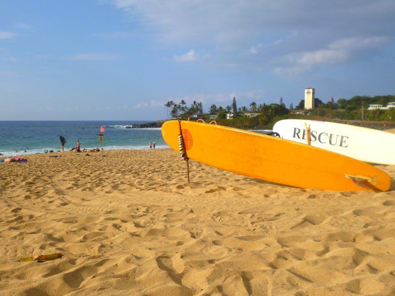 Die wunderschöne Weimea Bay im Norden von Oahu