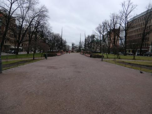 Ein kleiner Boulevard im Zentrum von Helsinki: Esplanadin Puisto