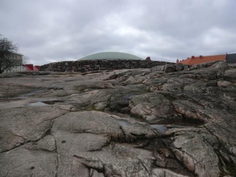 Die bekannte Felsenkirche in Helsinki